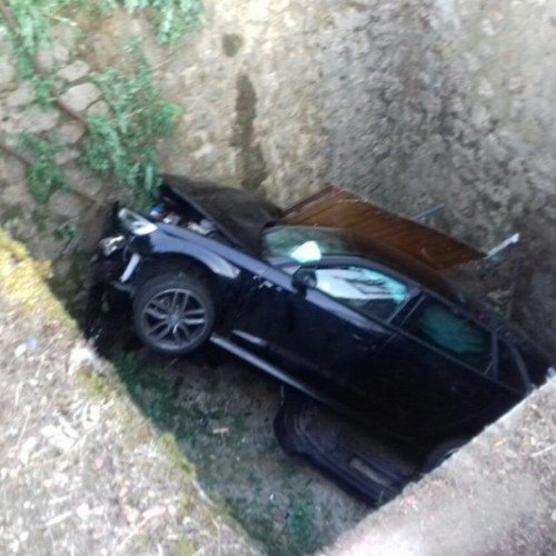 Hungarian drunk driver lands in four meter ditch