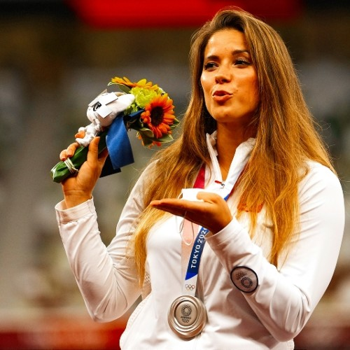 Maria Andriejczyk auctioned her silver medal to help a child