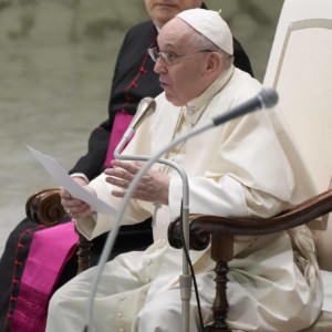Pope Francis promotes Covid-19 vaccination