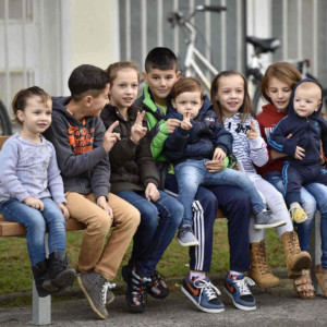 Children with migrant background