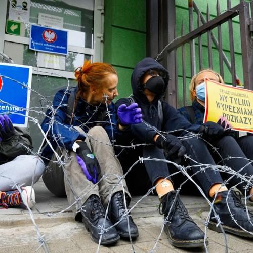 Poland Belarus migrants media